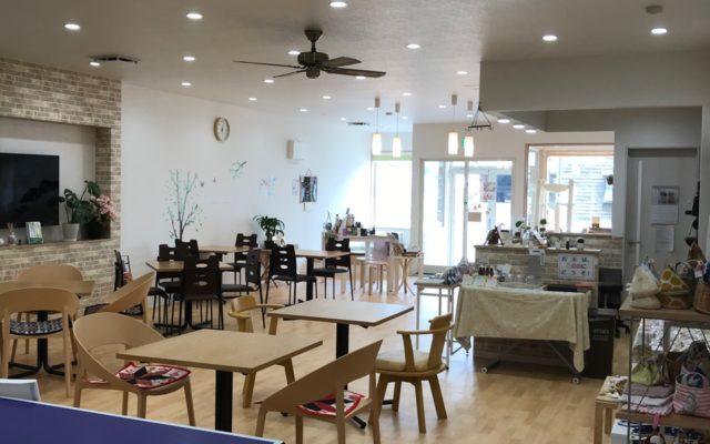 卓球台-カフェスペース